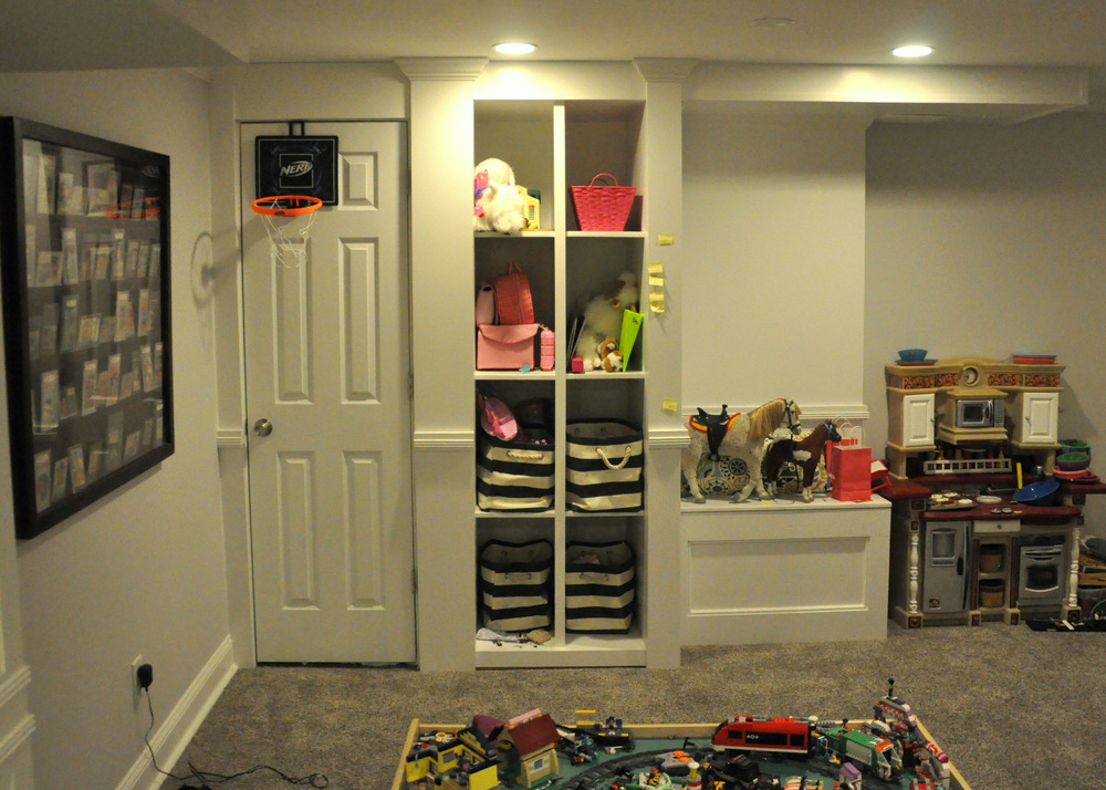 Side Closet & Toy Shelf.JPG