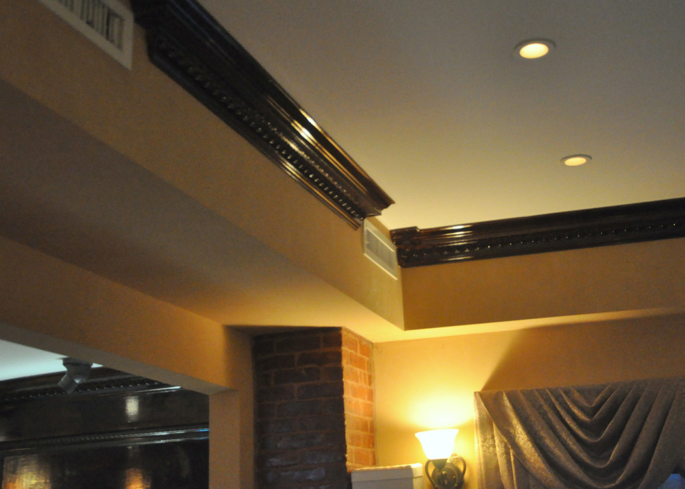 Crown Molding Side Room .JPG