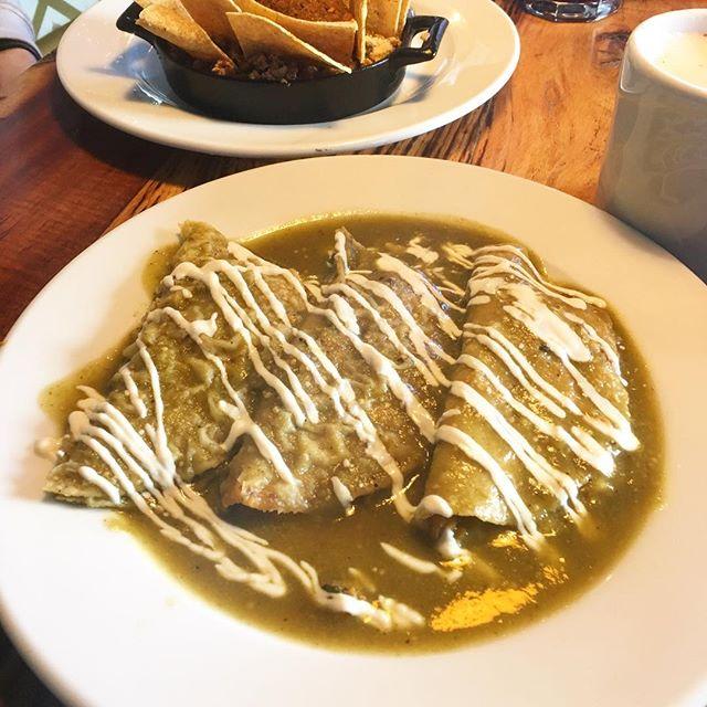 Vegan Enchiladas for breakfast! ❤️ . . #vegabonding #veganmexican #veganchesse #veganfoodshare #enchiladas #vegantravel #mexicanbreakfast #perfectfood