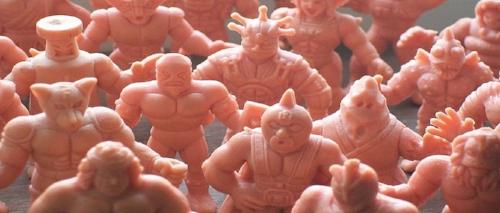 M.U.S.C.L.E._toys-1.jpg