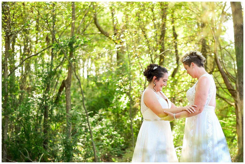 cd784b9d233b6 Seed Mill Barn Wedding | Christy and Tina — Cynthia Viola Photography