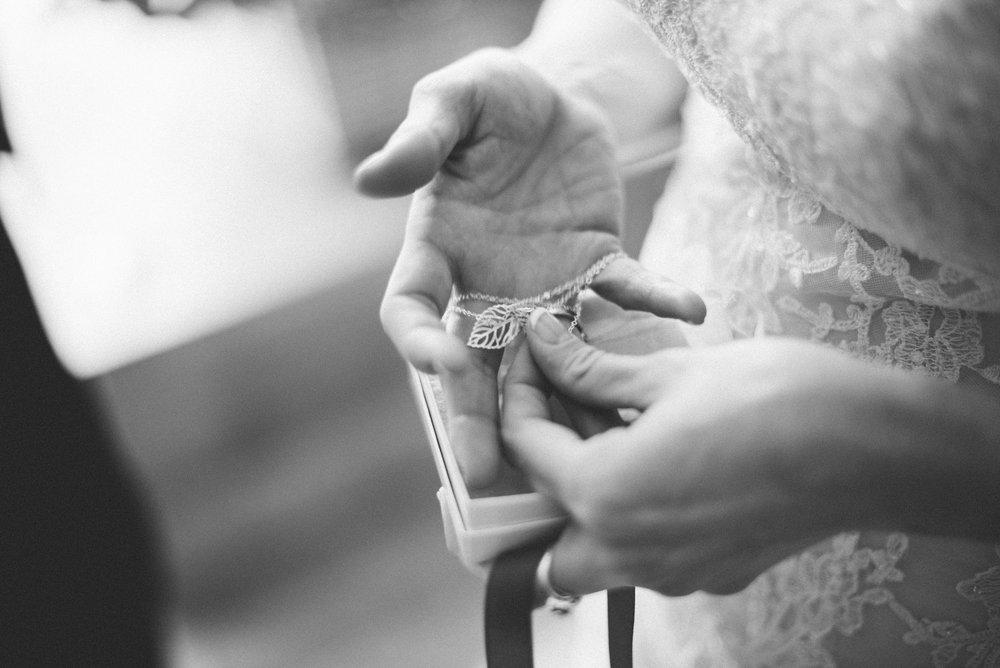 Gaie-Lea-Staunton-weddding-photographer-37.jpg