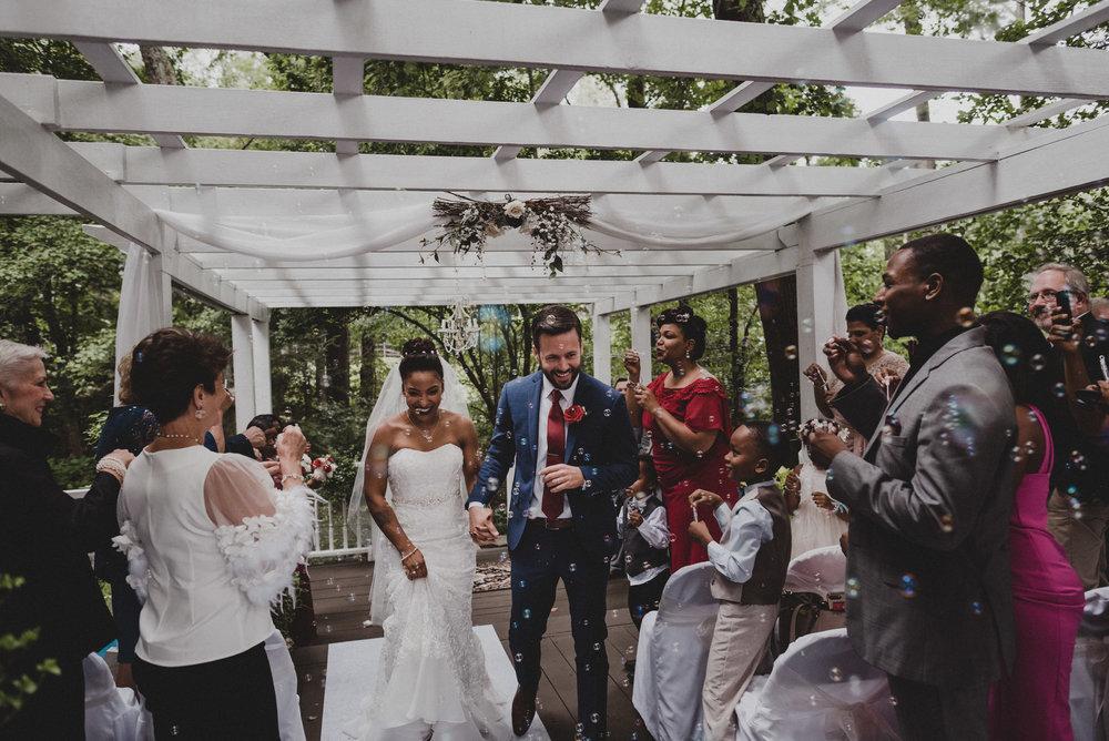 Wedding at Glen Garden in Fredericksburg, Virginia.