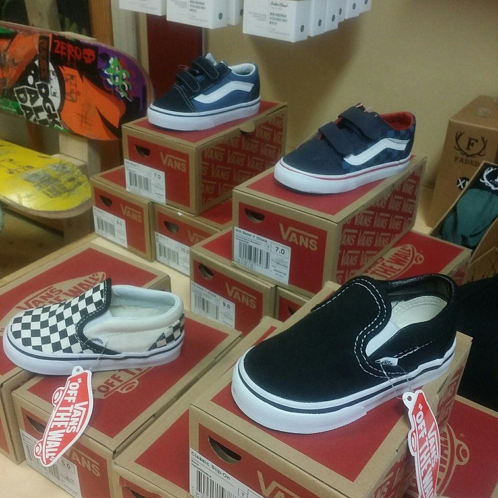 30% off Toddler Shoes from Vans