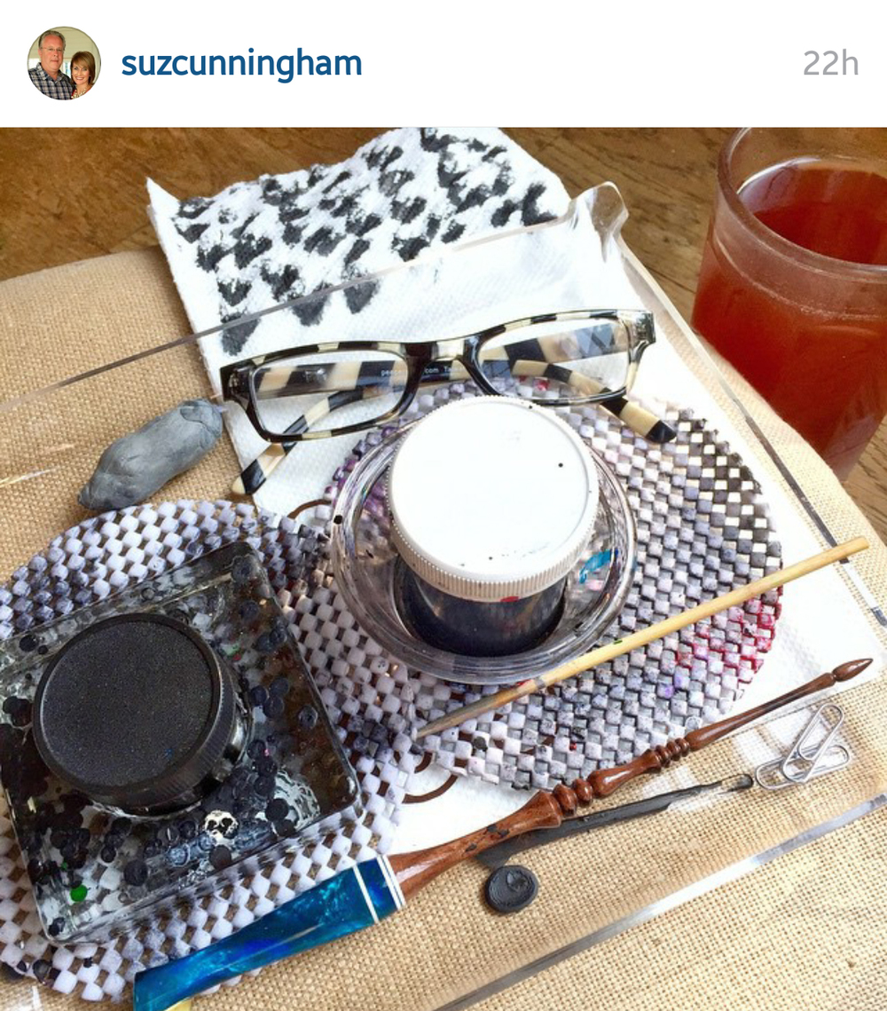 Utilizing Non-Calligraphy Items: Innovative Uses for Everyday Objects on Ashley Bush Blog