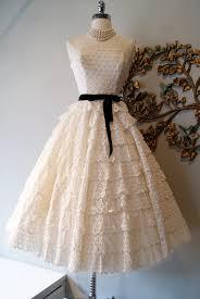 vintage wedding dress3.jpeg