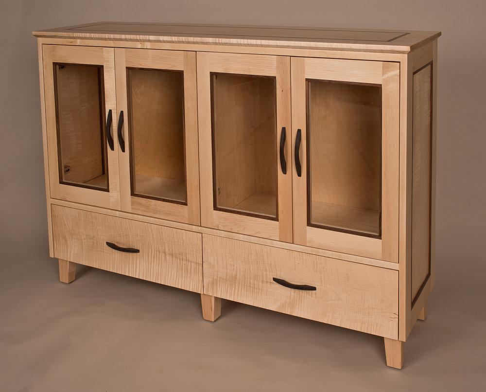 Haeri Cabinet