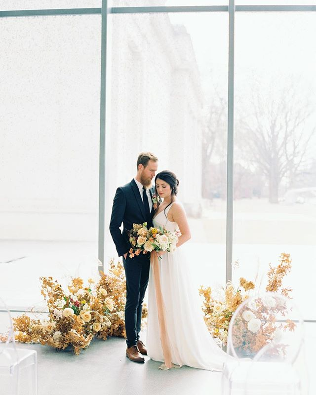 It's been a long week, so I don't have much else to say other than LOOK AT THIS SHOOT & look how talented my friends are!!!! 😭😍 We're just overall really excited that so many talented vendors trusted our vision + design. Happy Friday! • Photography: @tracyburchphotography | Florals: @_milaadams | Gown: @elizabethcrumbridal | Beauty: @carleyrandall | Ribbon: @froufrouchic, now in @kybridemag • • • • #tracyburchphotography #film #filmphotography #speedartmuseum #milaadamsdesign #asseenincolumbus #columbus #columbusbride #columbuswedding #columbusweddingplanner #eventshelddear #ohiobride #ohiowedding #ohioweddingplanner #flashesofdelight #pursuepretty #stylemepretty #ohtheheart #cincinnatiweddingplanner #clevelandweddingplanner #kentuckybride