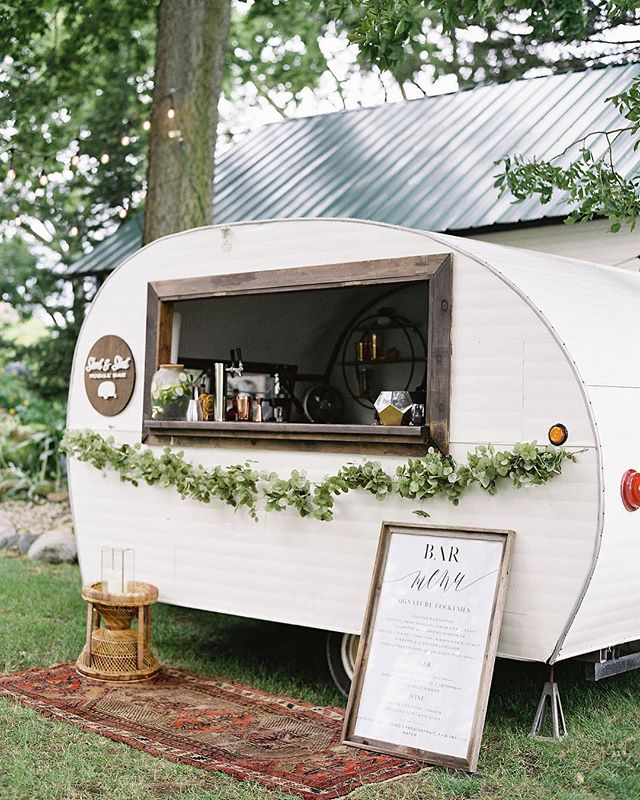 It's basically the weekend and we're ready for a drink - especially if it's coming from a cute lil' camper like this one. @shortandstoutbar, you guys are just darling! • Photography: @jennapowersphoto • • • • #jennapowersphotography #shortandstoutmobilebar #film #filmphotography #asseenincolumbus #columbus #columbusbride #columbuswedding #columbusweddingplanner #eventshelddear #ohiobride #ohiowedding #ohioweddingplanner #flashesofdelight #pursuepretty #stylemepretty #ohtheheart #cincinnatiweddingplanner #clevelandweddingplanner #kentuckybride