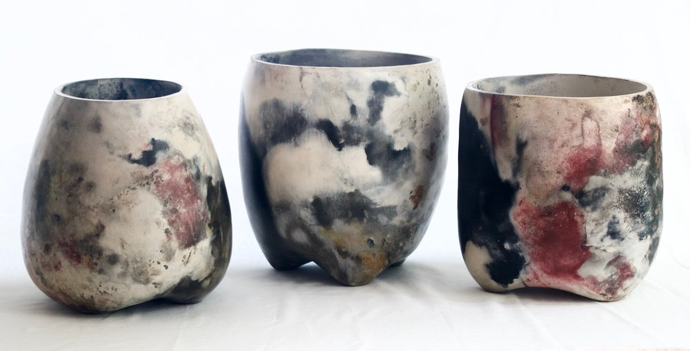P.P. Helen Green Ceramix Pit-Fired ceramics Terre Brûlée à Biranques édition 2018 (30cmØ)