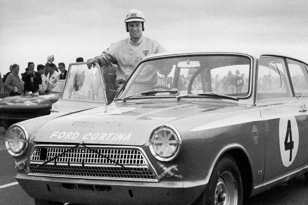 THE SENSATIONAL RESULT AT THE MARLBORO 12HRS WAS ALAN'S FIRST BIG BREAK AND AT THE AGE OF 27 HE FELT DRIVEN TO GO IT ALONE AND SET UP ALAN MANN RACING, WHICH OPENED AT THE BEGINNING OF 1964.