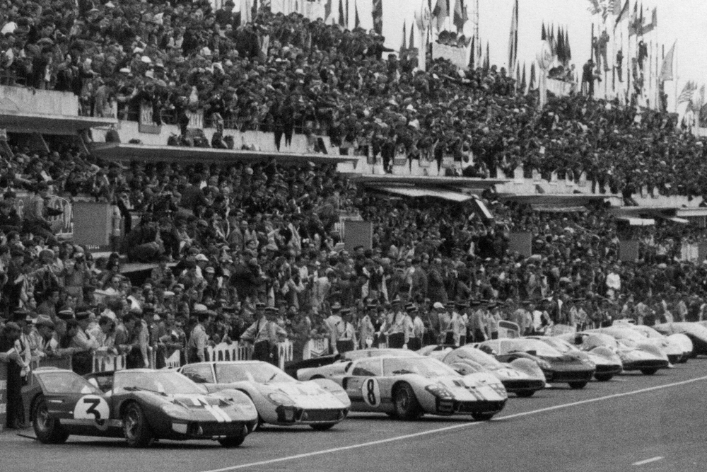 The lightweight cars were then shelved in favour of the 7-litre MkII, which the team ran at Spa and Le Mans.