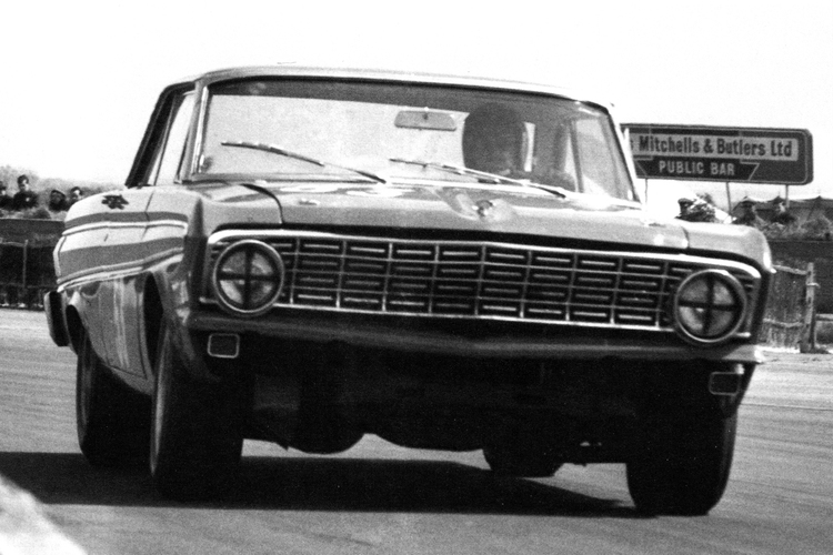 An Alan Mann Racing Ford Falcon set the first 100+ mph lap of the Silverstone GP circuit at the International Trophy meeting with Sir John Whitmore driving.