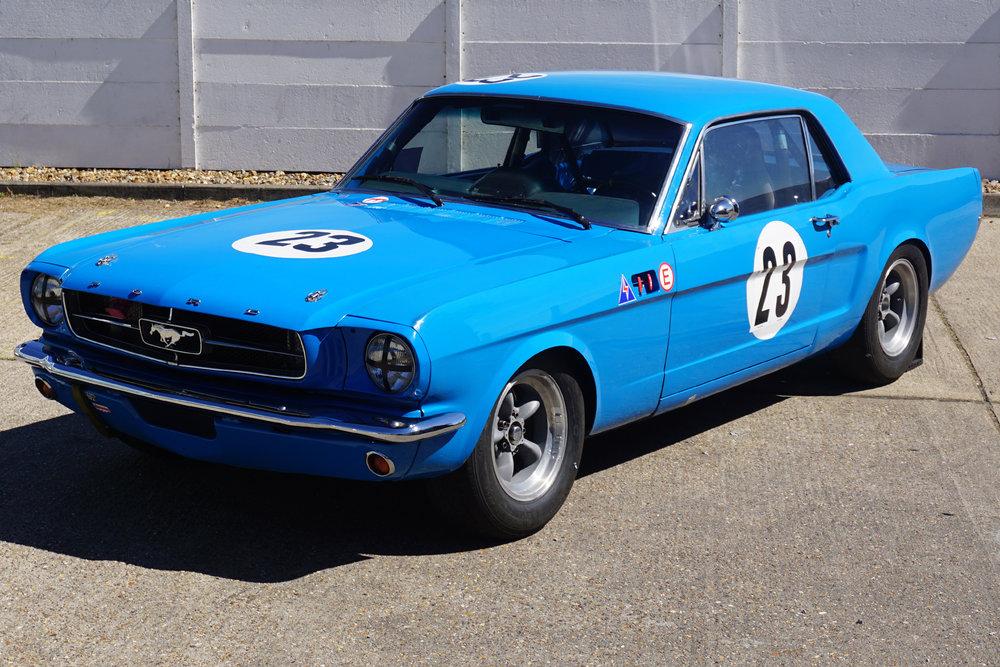 Blue-Mustang-02.jpg