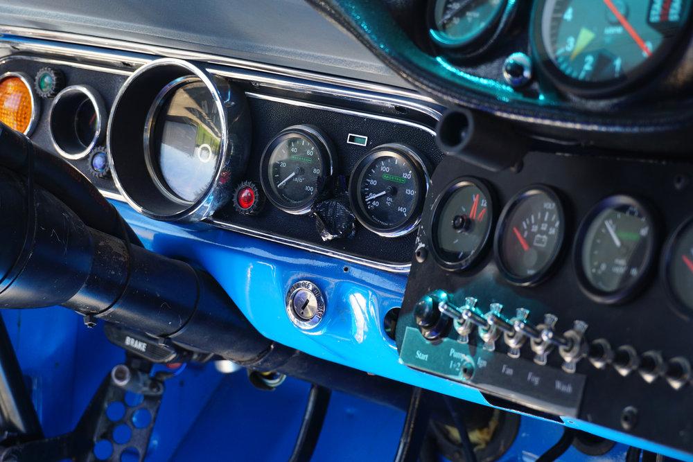 Blue-Mustang-10.jpg