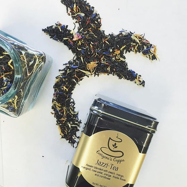 With warmer weather our jazzi-tea makes a delicious and refreshing #icedtea. A blend of tropical flavors infused in a traditional black #tea. You'll want to try this one! 🌴  #everyonescuppa #buylocal #organic #oregon #looseleaftea