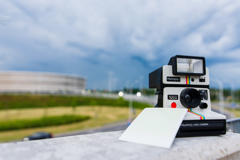 polaroid-camera-photography-technology-159427.jpg