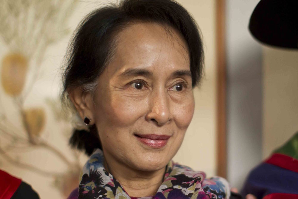 Aung San Suu Kyi received the Desmond Tutu Reconciliation Fellowship award at Monash University, 30 November 2013.