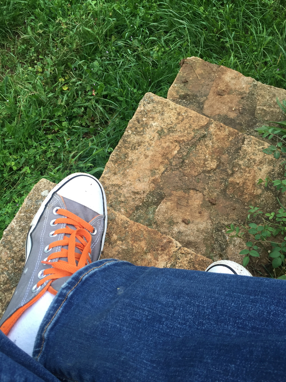 Dangling my feet on the steps at de Vogüé's piece of Amoureuses. I shall return...
