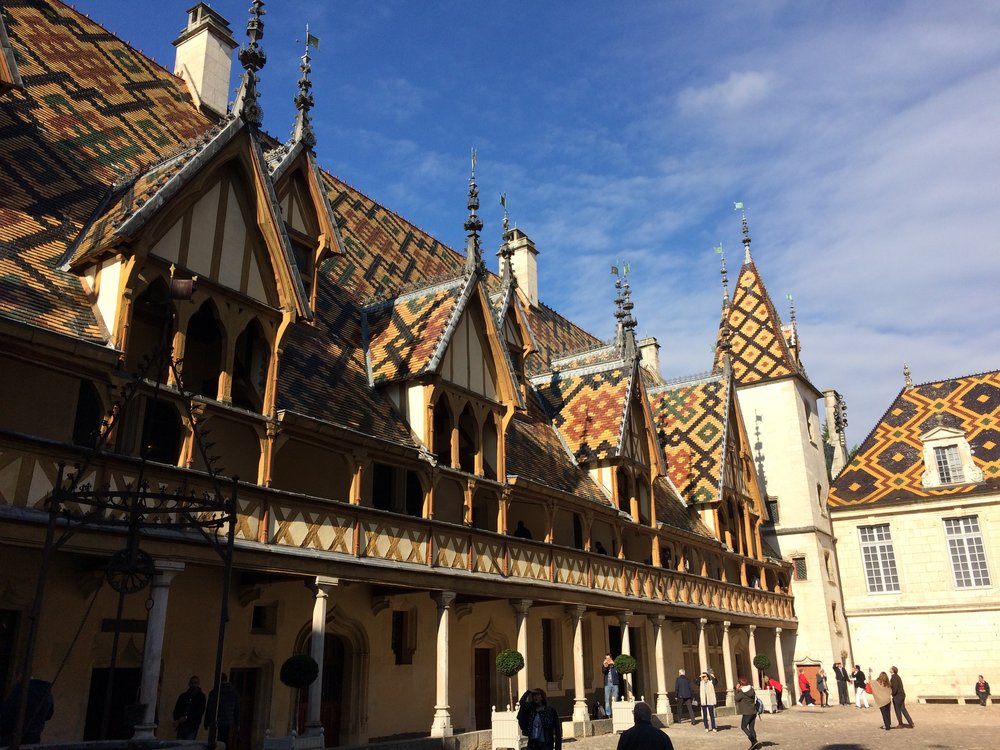 The stunning Hôtel Dieu in Beaune, built in 1443