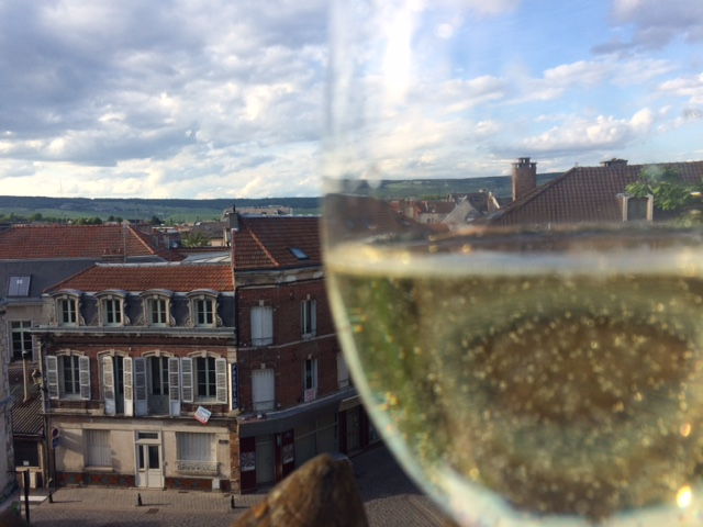 Apéro on the roof-deck in Épernay