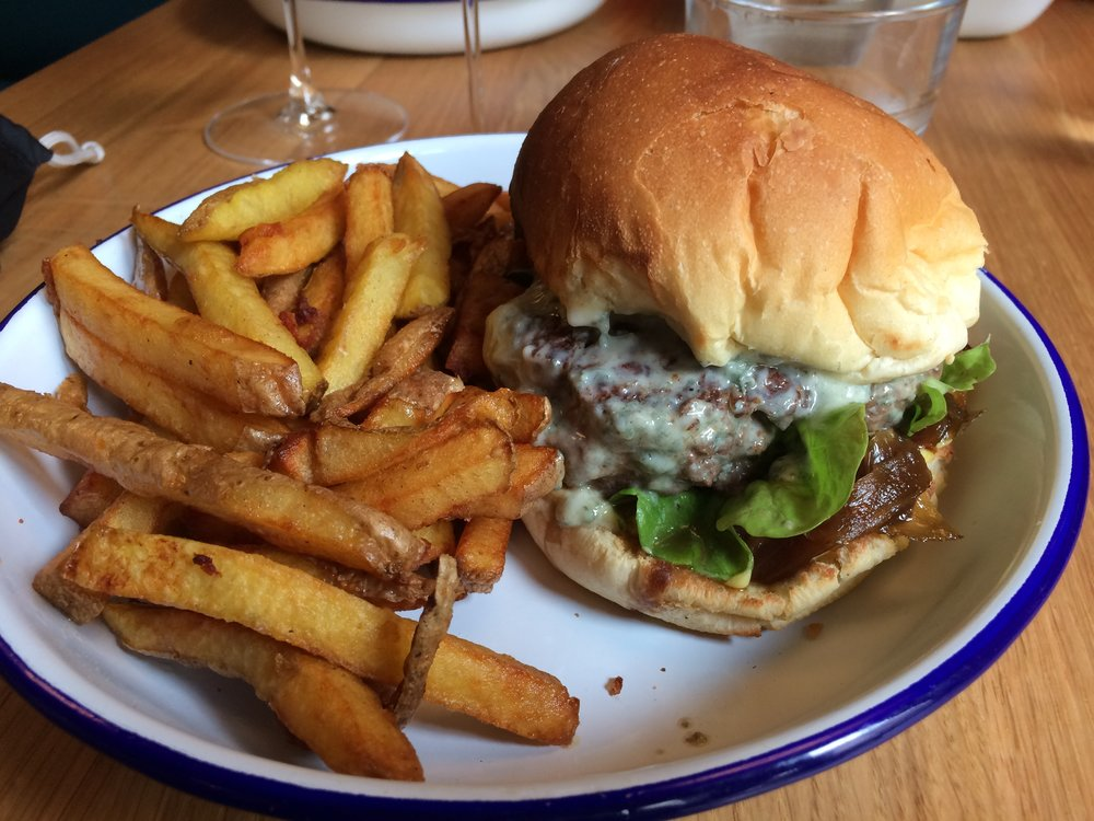 Le Hamburger - the hottest thing in France, bien sûr! This one at Sacré Burger in Reims rocks...