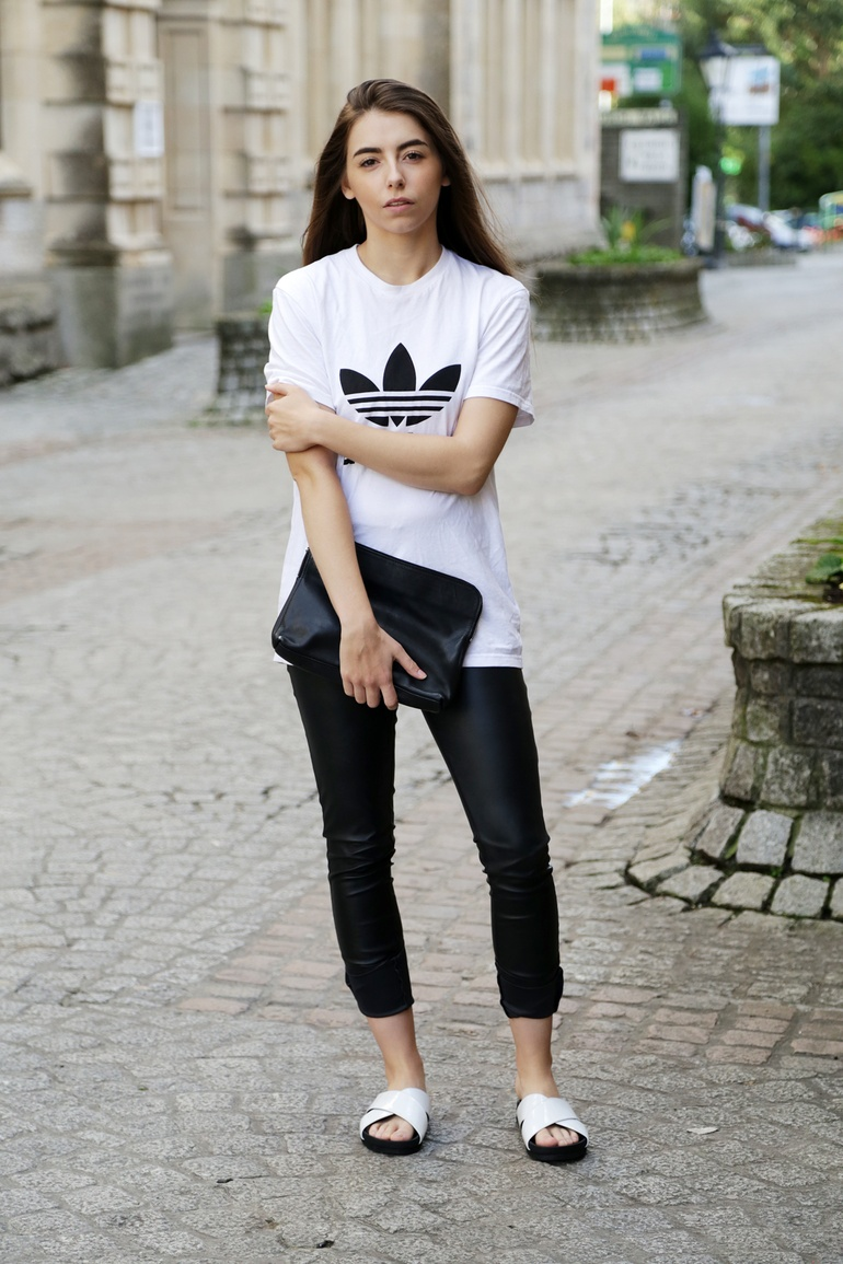 Adidas Trefoil tee outfit