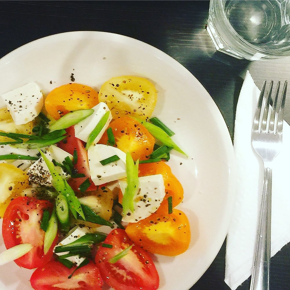 Caprese Salad: all ingredients from Les 5 Saisons