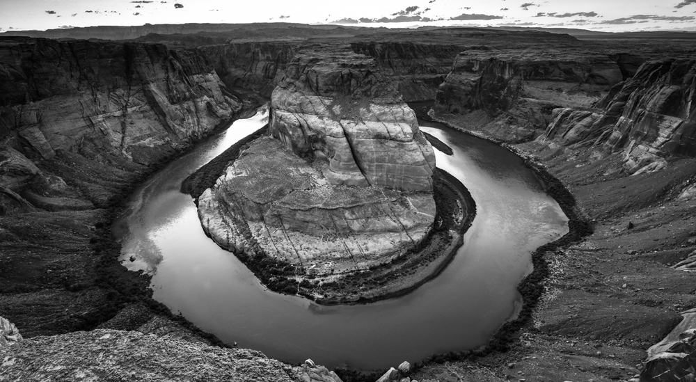 Horseshoe Bend (black & white)
