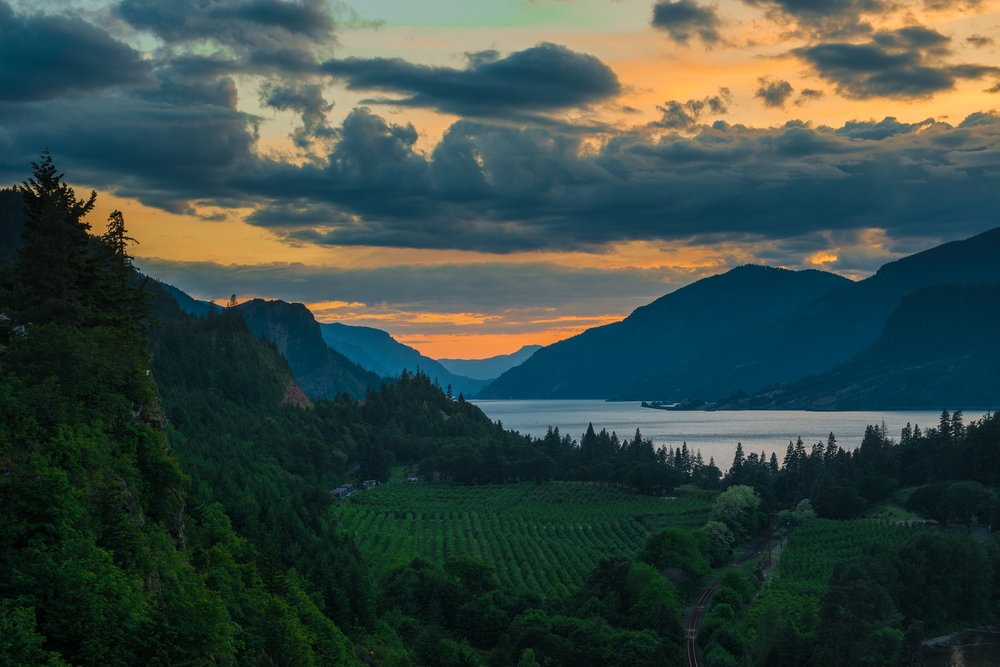 Clouds on Columbia River.2500.SquareSpace.jpg