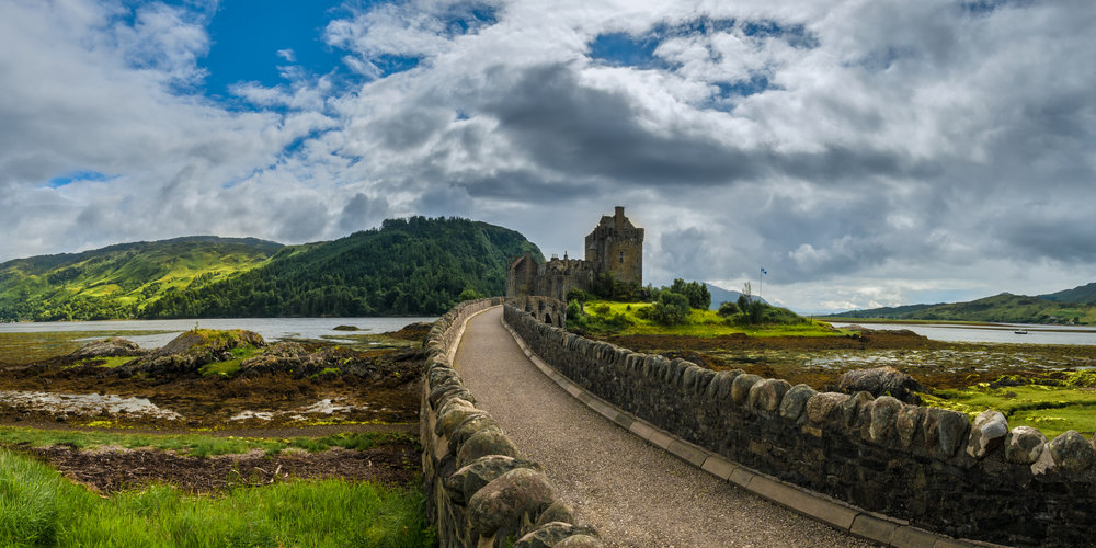 Eilean.Doonan.Castle20160704-132-Pano-Edit.2500px.jpg
