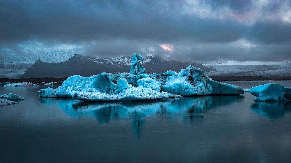 Iceland20160712-100-Edit.2500px.jpg