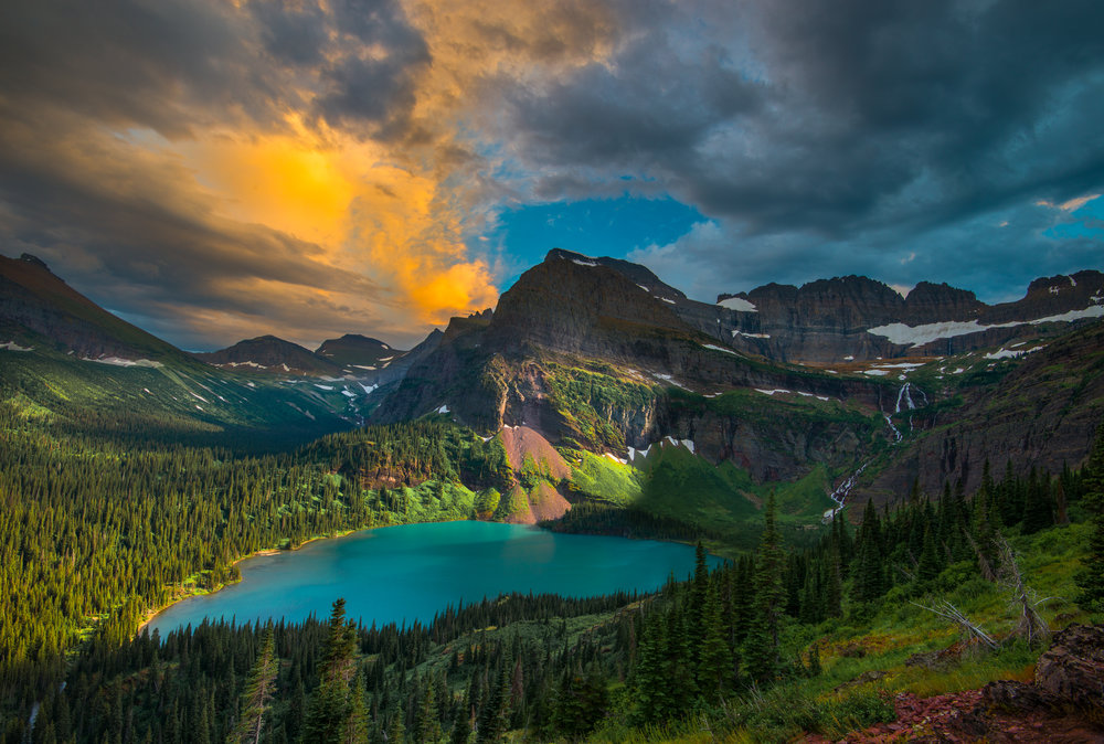 The scene at the Grinnell Lake overlook an hour before sunset