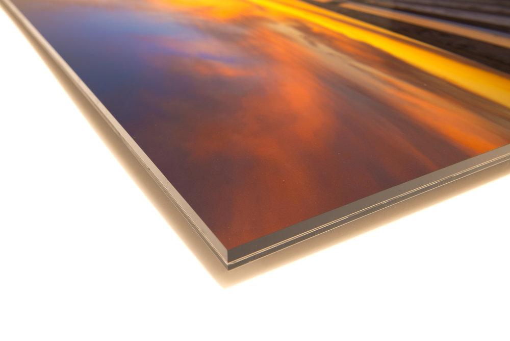 Acrylic print front corner