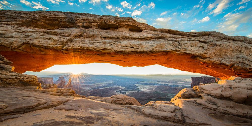 Mesa Arch Sunrise.2x1.Fullsize.300ppi.jpg