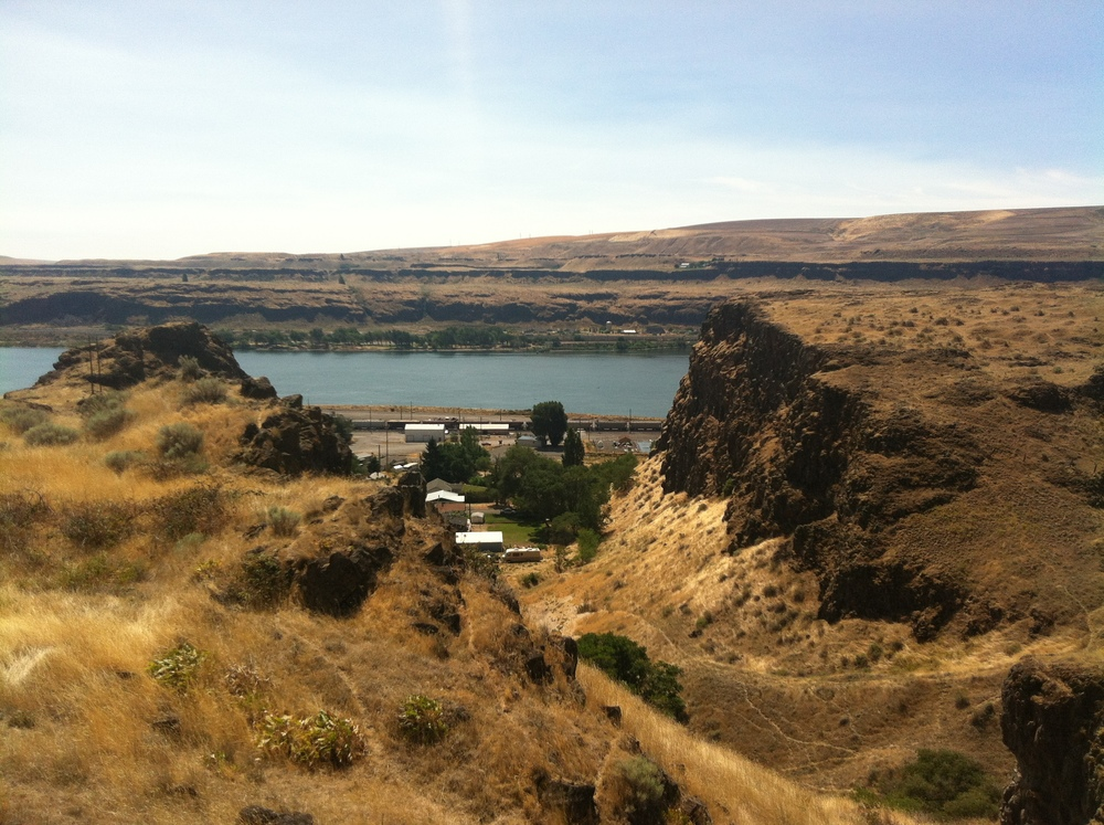 Looking through the ravine to the center of Wishram below. The craggy bluffs were pretty, but it would be very difficult to build here.