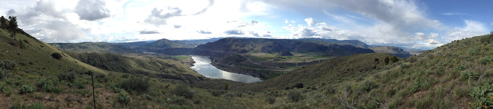 Another gorgeous panorama of the Columbia River Valley from our mountaintop retreat.