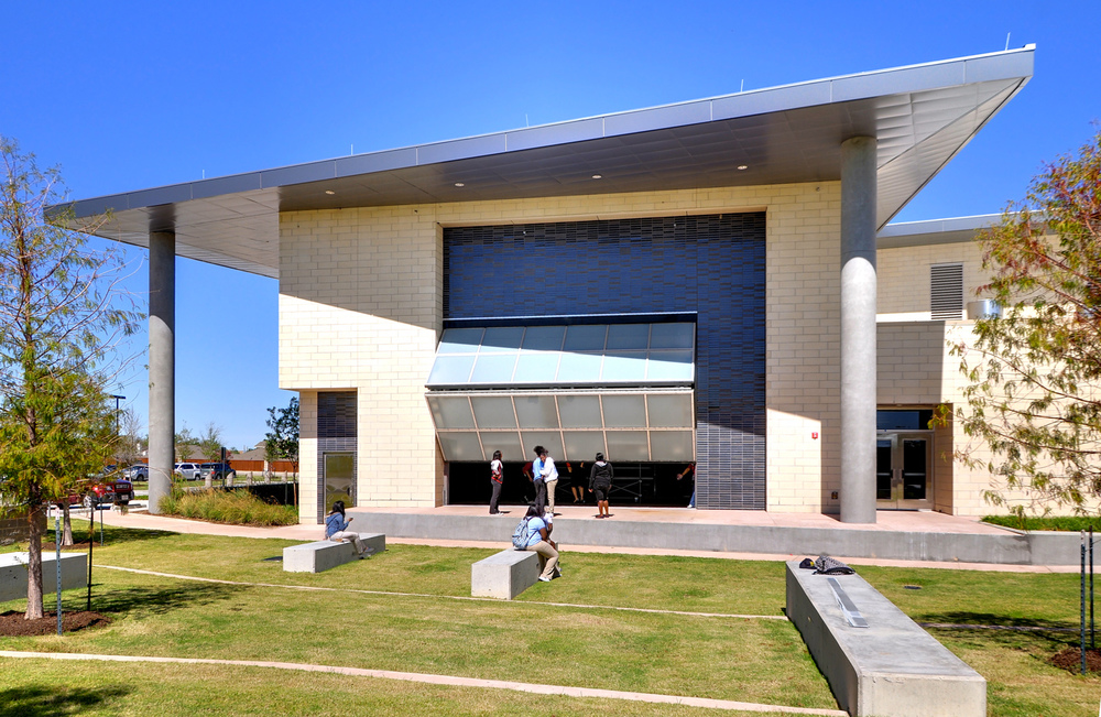 amphitheater02.jpg