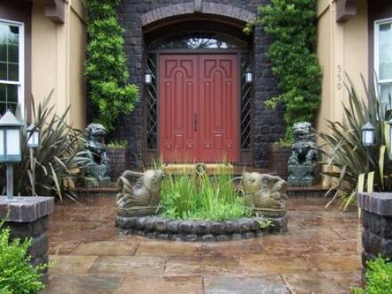 Basalt cobbles tumbled - Marin Landscape Designer