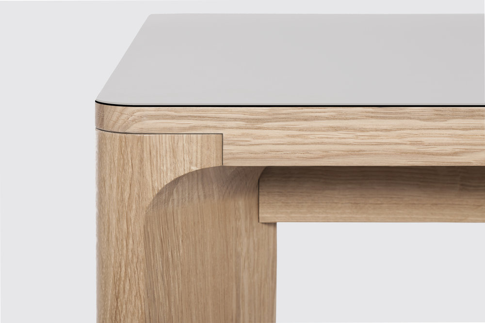 Another_Brand_Lastra_Table_Detail