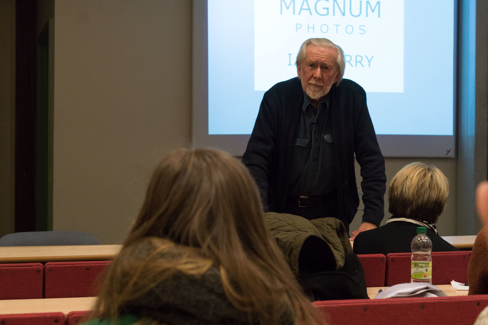 Magnum Photographer Ian Berry takes questions from the audience. Image ©   Stephen Meredith