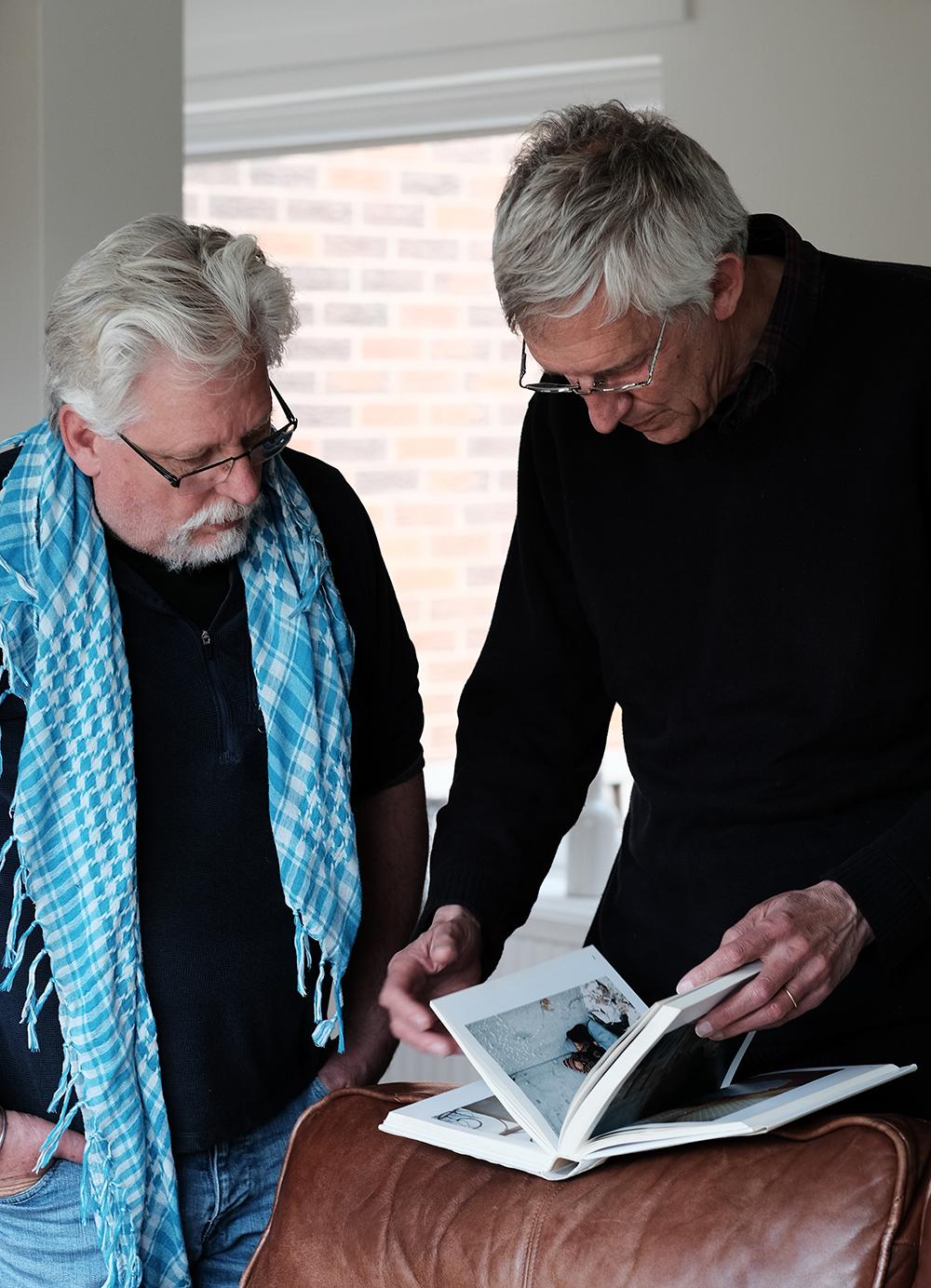 Daniel Meadows talking with Ffoton's Emyr Young. © Brian Carroll