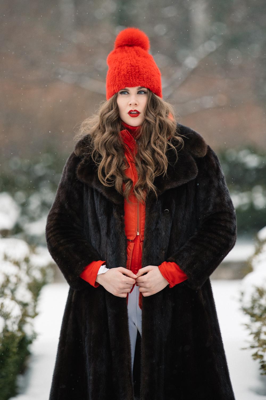 NicoleBreanne-CarolineFurs-HiRes-8885.jpg