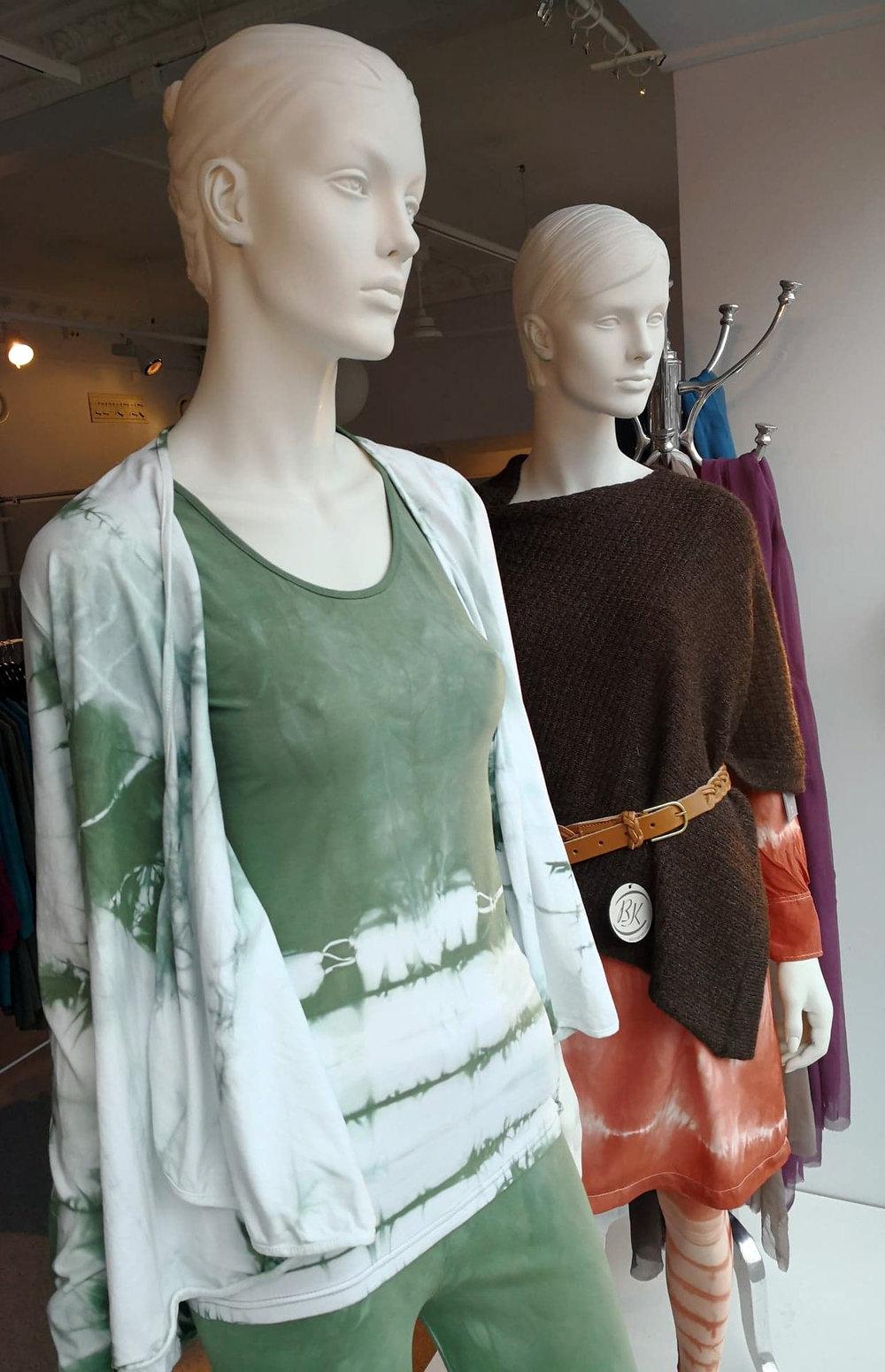 En ny kolleksjon med deilige myke yoga klær har vi også laget. -