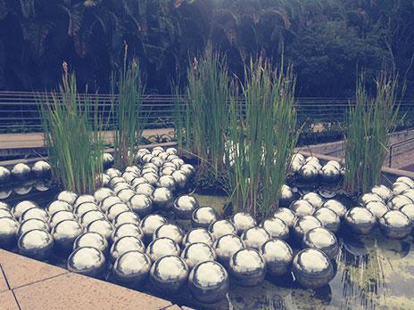 A17 - Narcissus Garden (Yayoi Kusama)