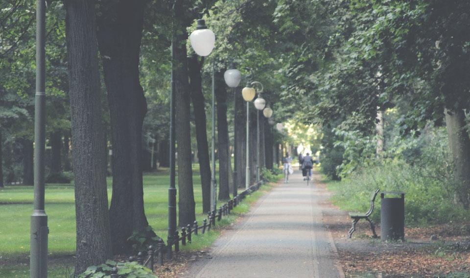 Tiergarten. Você não pode sair de Berlim sem pedalar em um dos maiores parques do mundo. Dá pra perder fácil um dia inteiro só aqui.