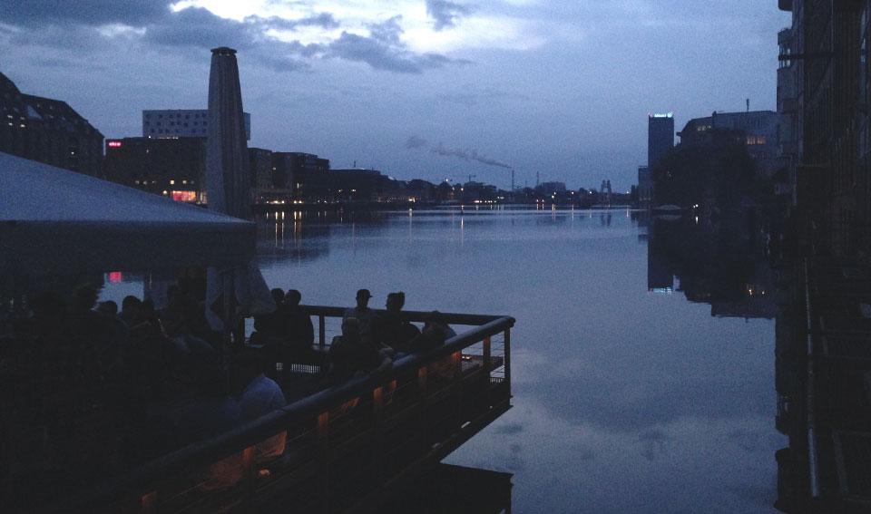 Vista da balada Watergate para o Rio Spree