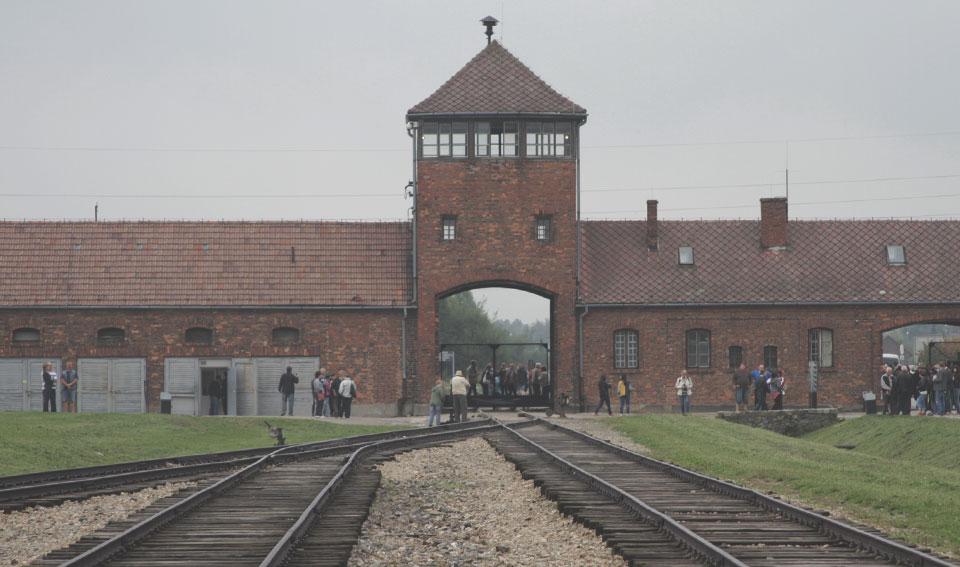 Antigo ponto de chegada dos trens para desembarcar os novos prisioneiros.