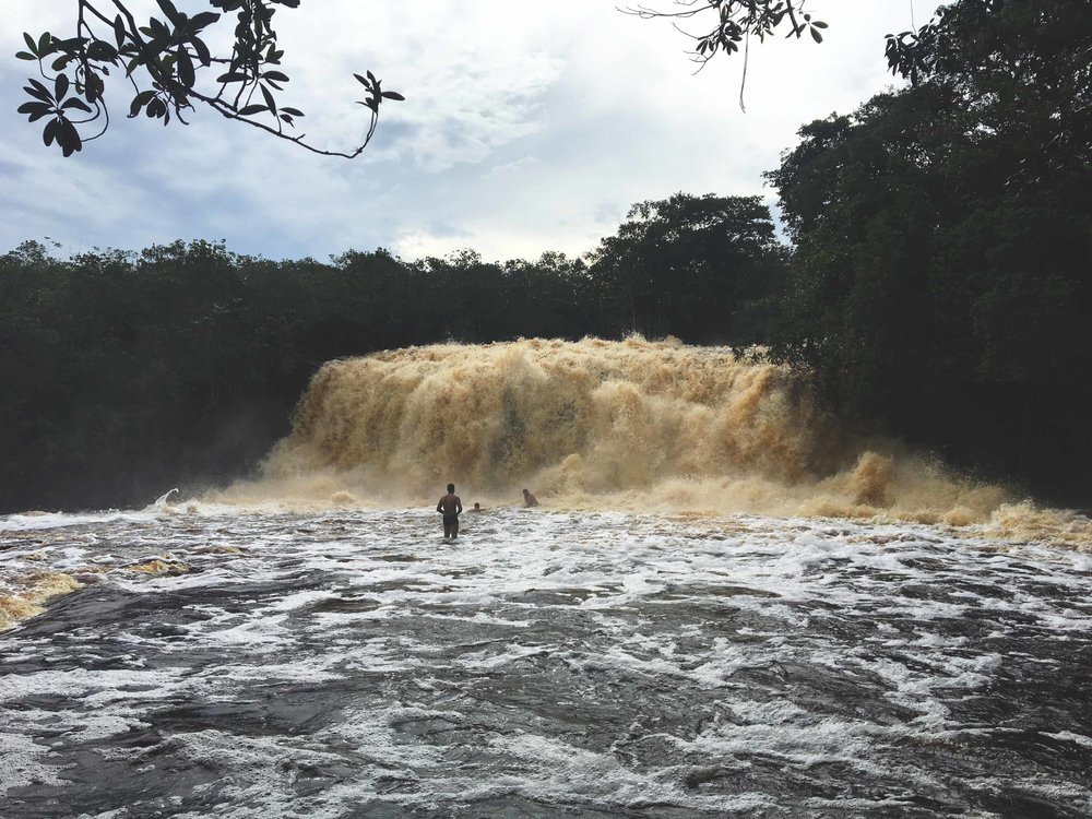 Imponente Cachoeira Iracema.
