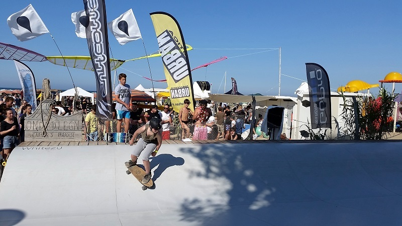 Sun and surfskate at Onda d' Legn